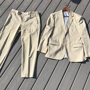 EXPRESS Men's cream or tan suit 40R